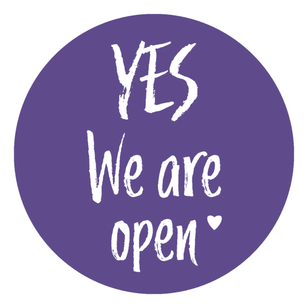"Schaufensteraufkleber EN - YES! We are open ""LOVE"" - (round) Style: Brushy - lila"